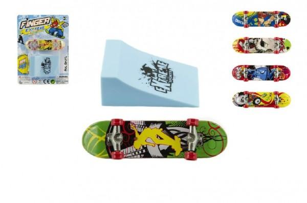 Skateboard prstový s rampou plast 10cm asst mix barev na kartě