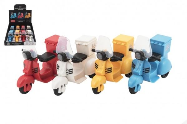 Skútr/motorka plast 14cm na baterie se světlem a zvukem 4 barev 8ks v boxu