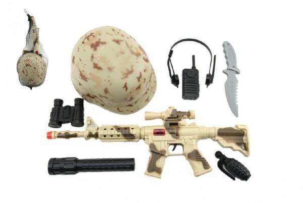 Vojenská sada samopal 47cm na setrvačník jiskřící+helma/přilba+doplňky v síťce