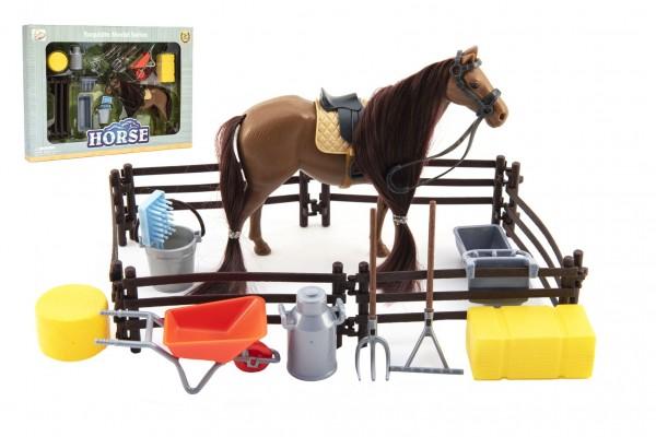 Kůň česací hnědý plast s doplňky a ohradou v krabici 34x25x5cm