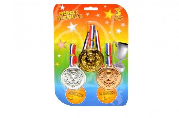 Medaile 3ks plast na kartě
