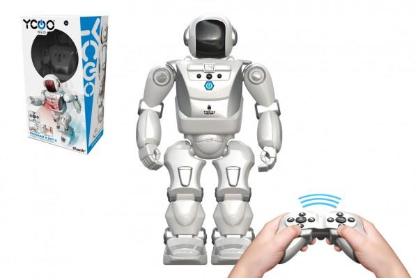 Robot A Bot X  na ovládání IC plast reagující na pohyb ruky na bat. se zvukem v krabici 26x46cm