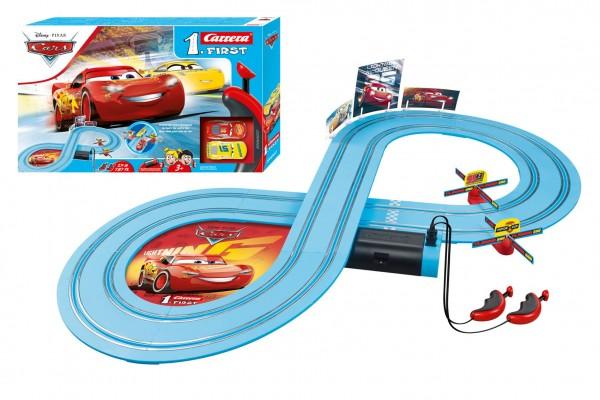 Autodráha Carrera First Auta/Cars 2,4m plast + 2 auta na baterie v krabici 50x30x8cm